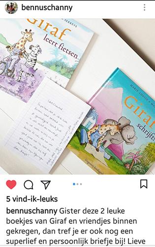 boekjes van giraf, giraf schrijft!