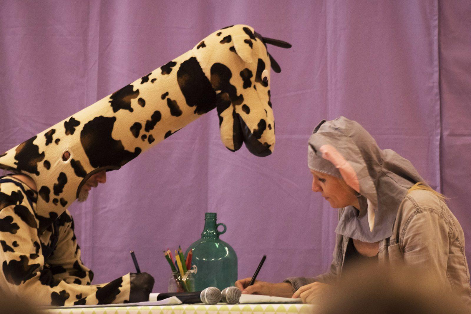 vertelvoorstelling giraf schrijft!